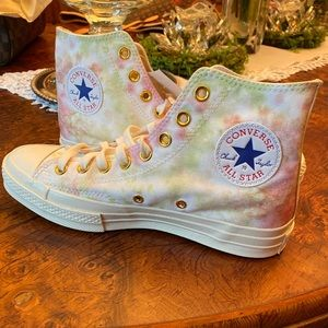 Milly Bobby Brown Converse